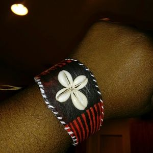 Jewelry - 100% African Leather Wrist Band w Cowrie Accent